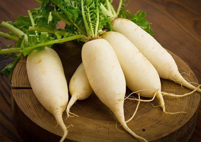 củ cải trắng trị hôi chân