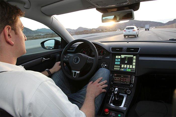 lái xe tự động