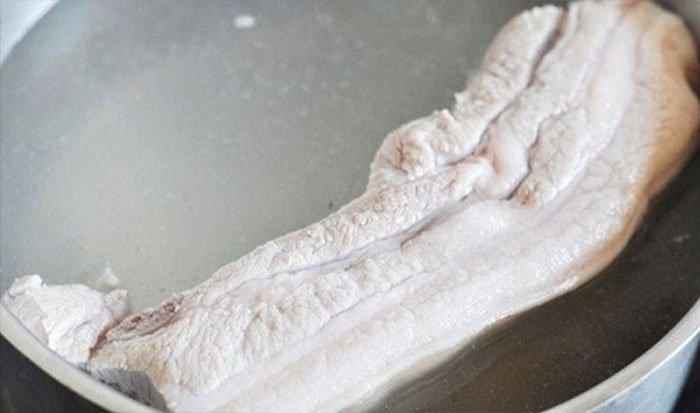 mẹo luộc thịt mềm ngọt