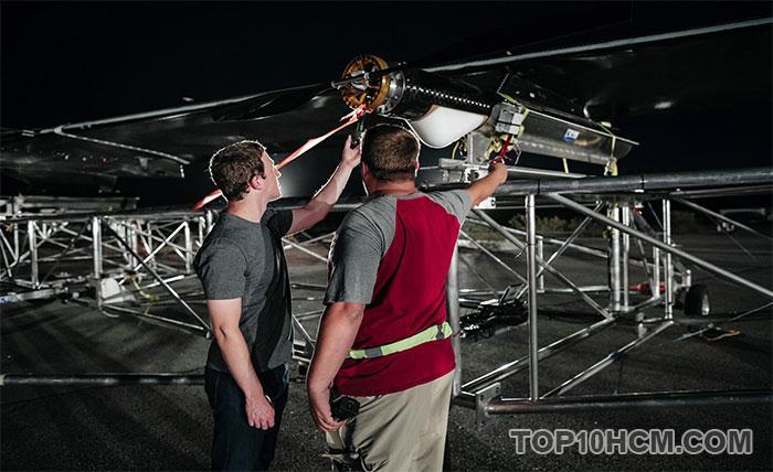 Máy bay không người lái Facebook Aquila