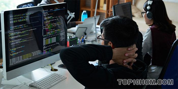 nghề có mức lương cao trong lĩnh vực công nghệ - Web Developer