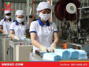 Có nên mua dây chuyền sản xuất khẩu trang y tế tại Uniduc không?