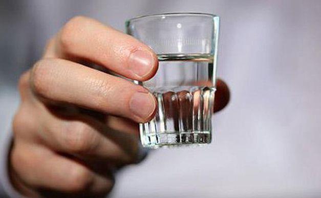 Mơ thấy uống rượu đánh lô đề con số gì?