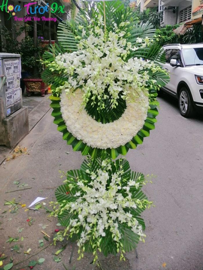 7 mẫu vòng hoa viếng tang lễ giá rẻ được mua nhiều nhất năm 2021